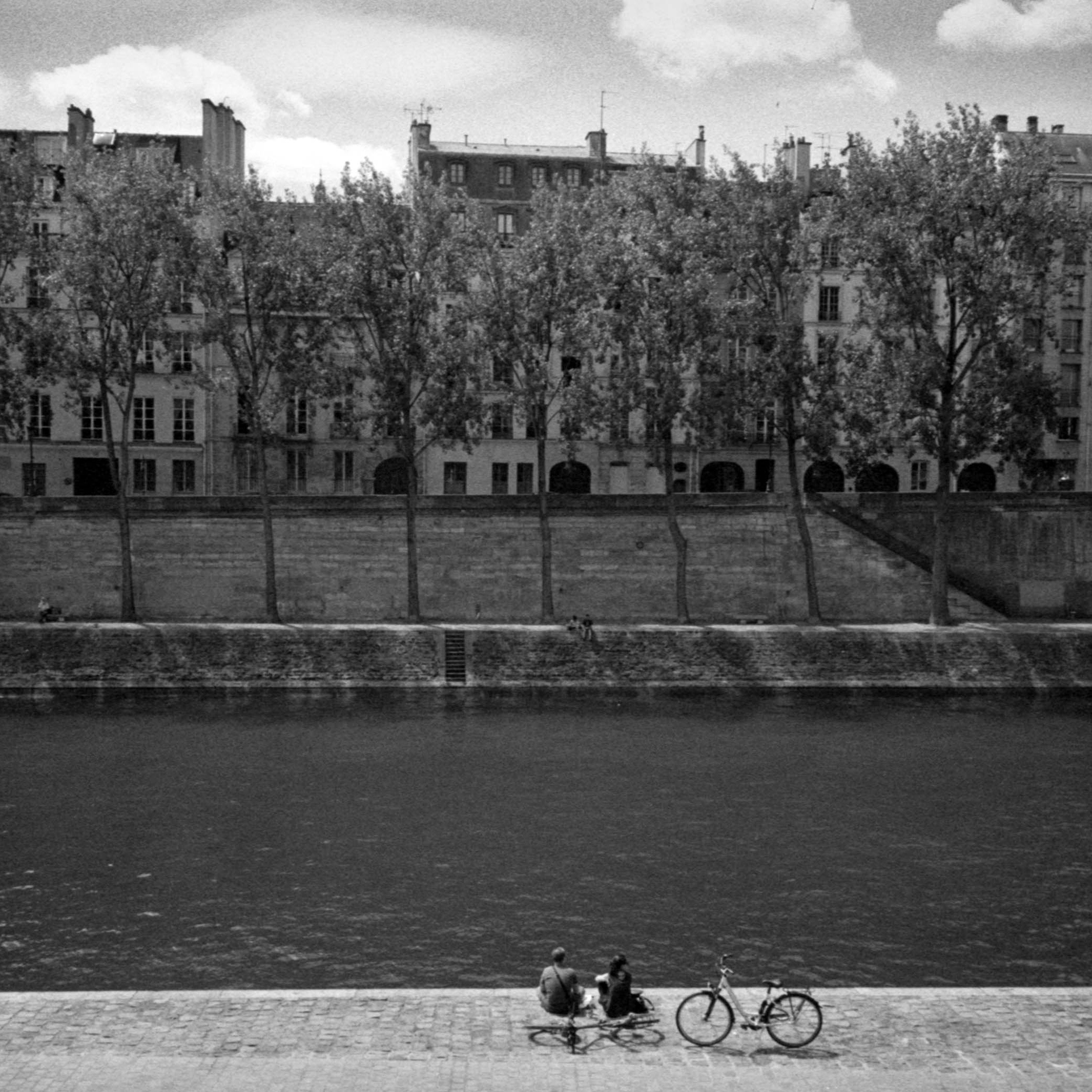 Saturday afternoon · Paris