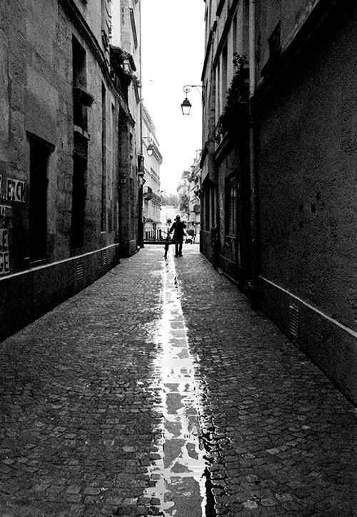 A light trail · Paris